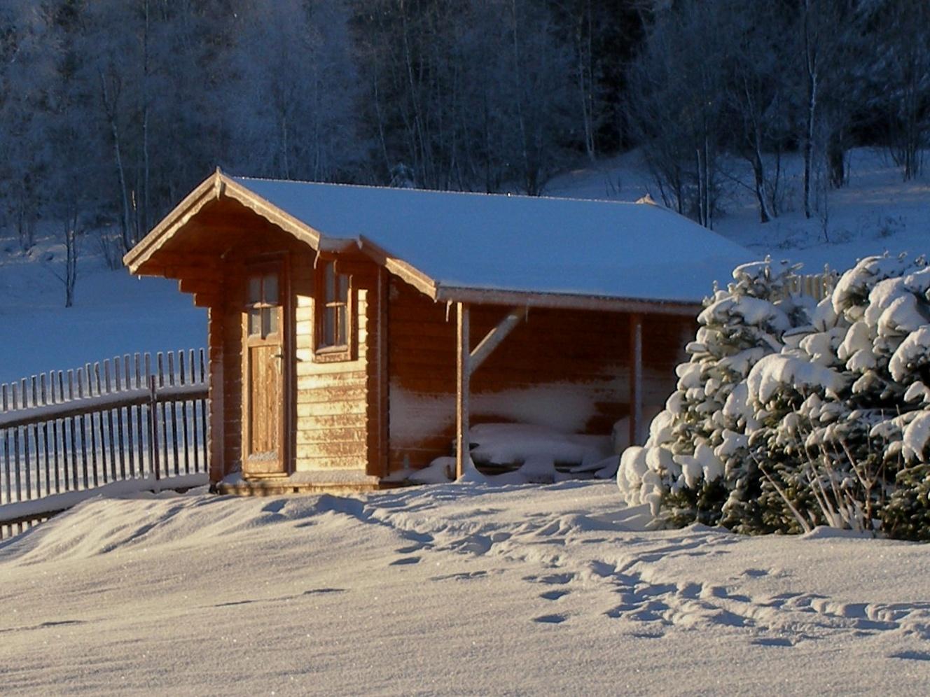 Zahradní domek v zimě
