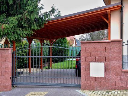 Garážové stání Standard ke zdi domu - Garážové stání Standard ke zdi domu 350x570 - sklon 10°