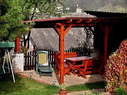 Pergola Standard 300x520 - Zahradní pergola se sklonem krokví. Záklop a střešní krytinu si zákazník pořizoval sám.