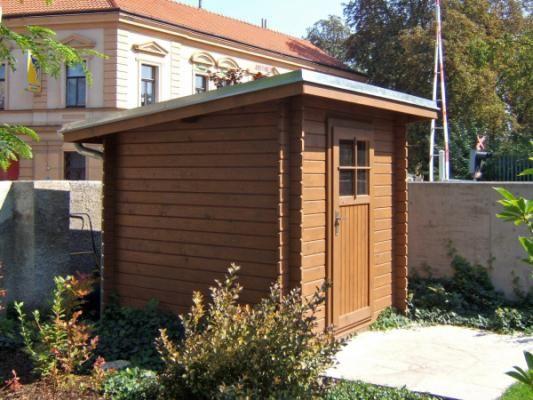 Robin EKO 200x200 - Nářaďový zahradní domek Robin s čelním přesahem střechy 30 cm. Oplechování střechy, okapové žlaby a svody - pozink.
