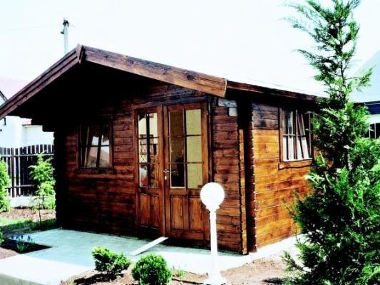 Laura EKO 350x350 - Zahradní domek Laura EKO s čelním přesahem střechy 100 cm a s dvoukřídlými dveřmi s 2/3 prosklením. Navíc boční okno. Atypické provedení podle přání zákazníka.
