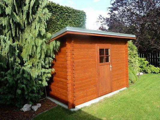 Robin EKO 300x200 - Nářaďový zahradní domek Robin s čelním přesahem střechy 30 cm. Oplechování střechy, okapové žlaby a svody - pozink.