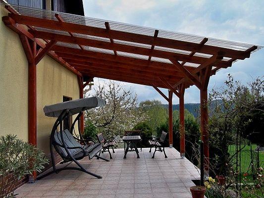 Pergola Standard ke zdi domu 300x470 - Zahradní pergola se střechou z polykarbonátových desek WT.