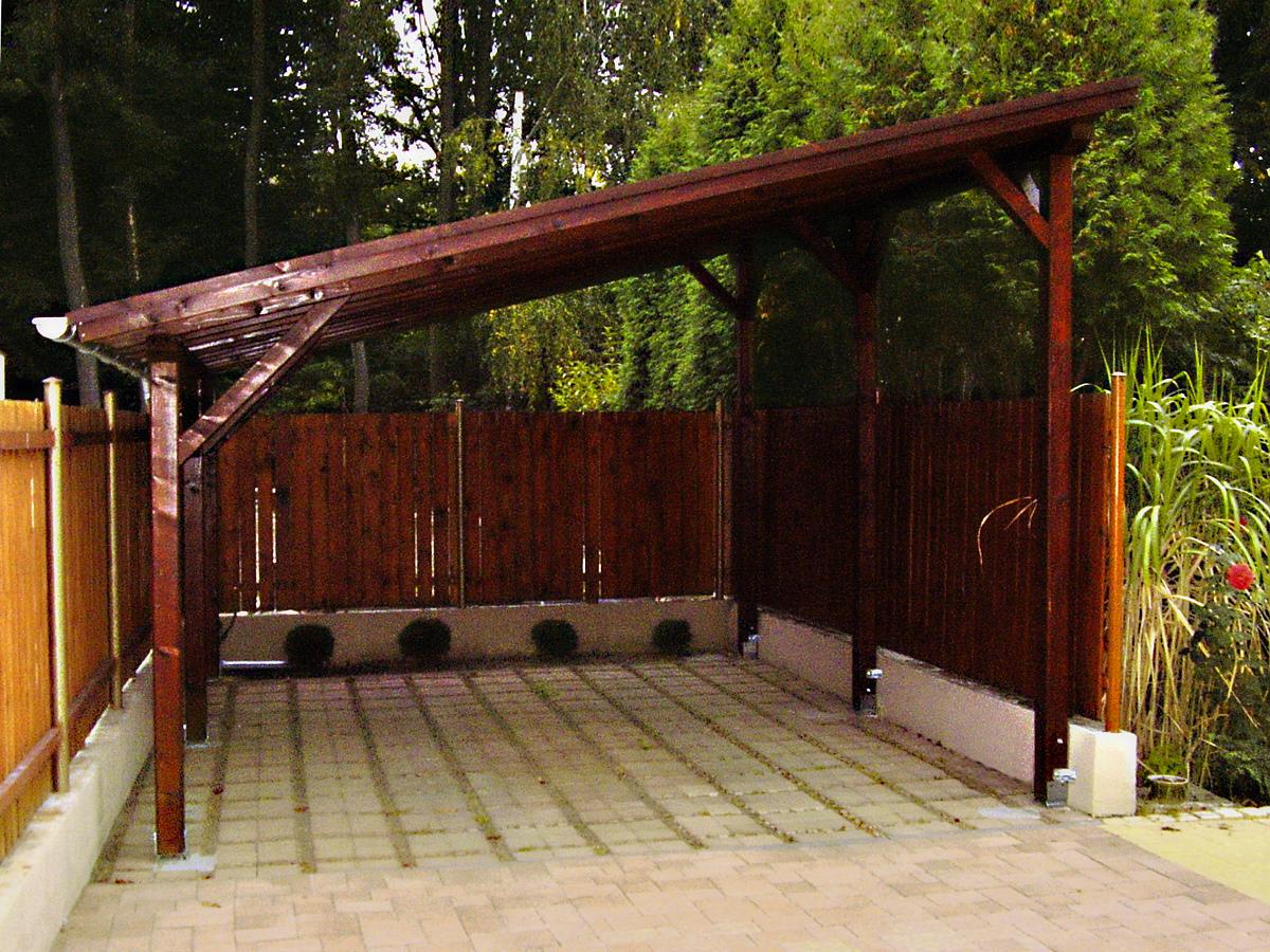 Garážové stání Standard 400x500 - Garážové stání se střechou z asfaltového šindele.