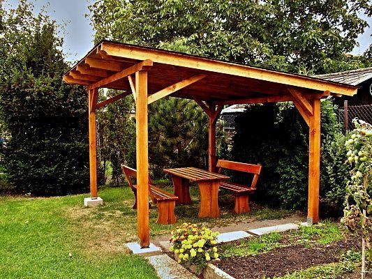 Pergola Standard 250x320 - Zahradní pergola se sklonem krokví, palubkovým záklopem a s asfaltovým šindelem.