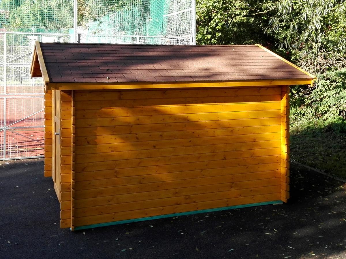 Albert EKO 200x300 - Nářaďový zahradní domek Albert s čelním přesahem střechy 30 cm. Standardní provedení.