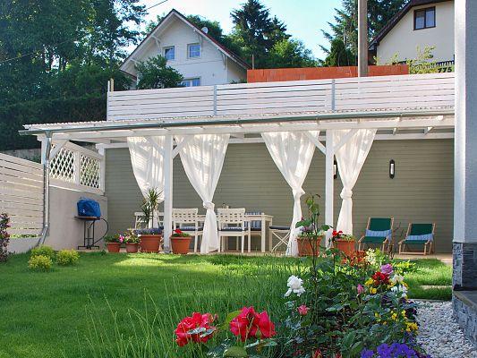 Pergola Standard ke zdi domu 320x780_atyp - Pergola ke zdi domu vyrobena na míru podle přání zákazníka.