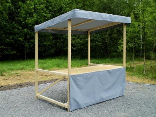 stánek plátěný 200x150_standardní provedení - Plátěný stánek se střechou, zakrytým pultem a s prodejním pultem. Standardní provedení.