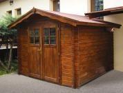 Albert 250x250 DD - Nářaďový zahradní domek Albert s čelním přesahem střechy 30 cm a s dvoukřídlými dveřmi.