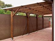 Garážové stání Standard ke zdi 300x800 - Garážové stání ke zdi domu s atypicky nízkým sklonem.