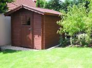 Albert 200x300 - Nářaďový zahradní domek Albert s čelním přesahem střechy 30 cm. Standardní provedení.