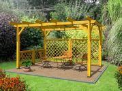 Pergola Standard 250x370 - Zahradní pergola Standard bez sklonu a střešní krytiny. Navíc osazena mřížovými zástěnami.