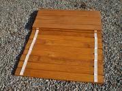 roštový prodejní pult - Na přání zákazníka lze zhotovit roštový prodejní pult místo desek z OSB.