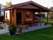 Zita 440x300_atyp - Zahradní chatka Zita s čelním přesahem střechy 170 s plným štítem.