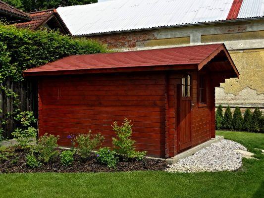 Laura EKO 300x350 - Zahradní domek Laura EKO s čelním přesahem střechy 70 cm. Standardní provedení.