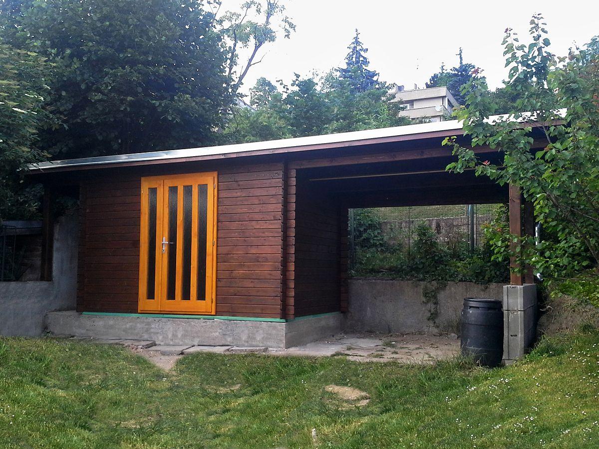 Kevin 300x200 XL - Nářaďový zahradní domek Kevin s bočním přístřeškem XL.
