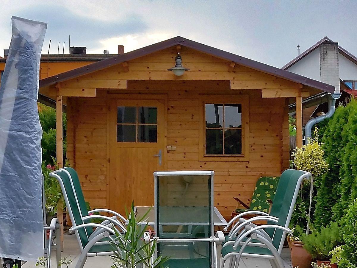 Laura_EKO_170_300x300 - Zahradní domek Laura EKO s čelním přesahem 170 cm.